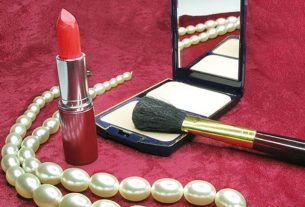 Warna-warni Kosmetik & Perhiasan