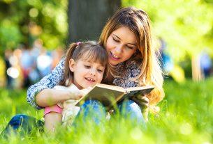 ibu mengajar anak